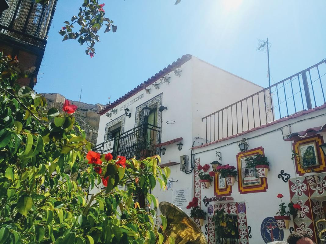 Casas del barrio de Santa Cruz Alicante