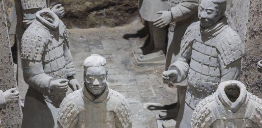 Exposición Guerreros del Xian en el MARQ en 2021