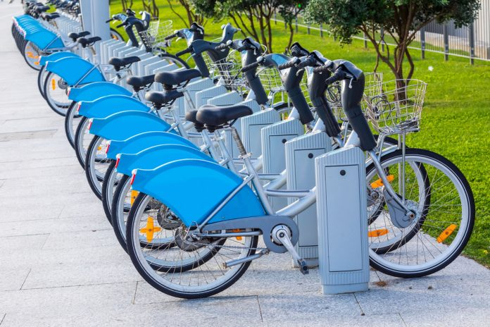 Préstamo bicicletas y patinetes en Alicante